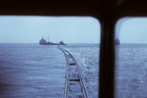 Bahnfahrt übers Meer
