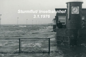 Bahnhof Juist bei Hochwasser (1976)