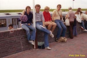 Verabschiedung der Freunde am Zug (1979)